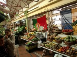 """Sämtliche Aromen des """"Mercado dos Lavadores"""" finden sich im gereiften Madeira-Wein"""