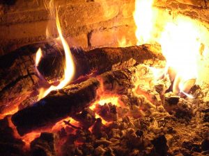 Wohlige Wärme am Kamin